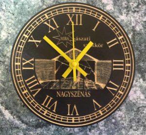 gravírozott ajándék óra