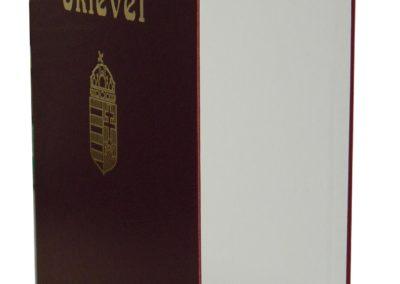 Okleveltarto-bordo-muborben_-arany-cimerrel