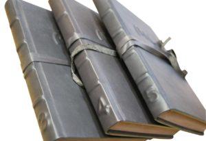 egyedi könyvkötés bőrkötéssel